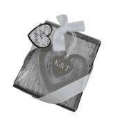 Szív alakú fém könyvjelző díszdobozban masnival egyedi gravírozott szöveggel 71fa2fc10f