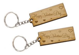 Szivecskés valentin napos biléta egyedi felirattal kulcstartó lánccal és  karikával ellátva 2db-os gravírozott bükkfa f5f4adc3b8